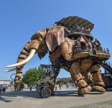 Éléphant en bois - création nantaise